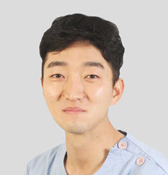 Jeong Cheol - Plastic Surgeon